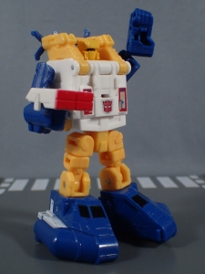 Transformers Generations Titans Return Legends Class Seaspray (36)