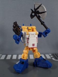 Transformers Generations Titans Return Legends Class Seaspray (38)