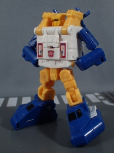 Transformers Generations Titans Return Legends Class Seaspray (39)
