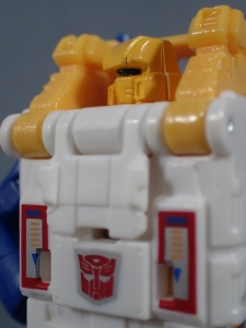 Transformers Generations Titans Return Legends Class Seaspray (40)