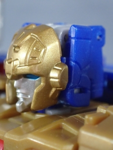 Transformers Titans Return Siege on Cybertron BBTS Exclusive Deluxe Class Metalhawk (16)