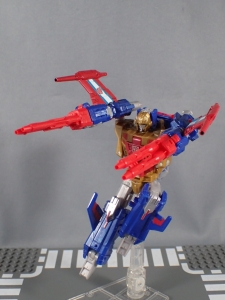 Transformers Titans Return Siege on Cybertron BBTS Exclusive Deluxe Class Metalhawk (21)