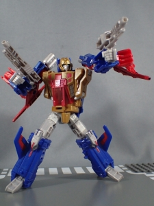 Transformers Titans Return Siege on Cybertron BBTS Exclusive Deluxe Class Metalhawk (26)