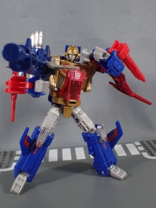 Transformers Titans Return Siege on Cybertron BBTS Exclusive Deluxe Class Metalhawk (45)