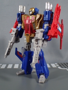 Transformers Titans Return Siege on Cybertron BBTS Exclusive Deluxe Class Metalhawk (49)