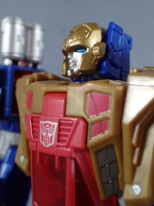Transformers Titans Return Siege on Cybertron BBTS Exclusive Deluxe Class Metalhawk (50)