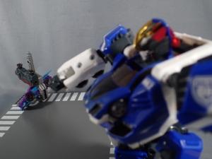 トミカ ハイパーレスキュー ドライブヘッド01 MKII サイクロンインターセプターを比較して遊ぼう (46
