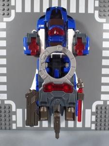 トミカ ハイパーレスキュー ドライブヘッド01 MKII サイクロンインターセプターを比較して遊ぼう (56