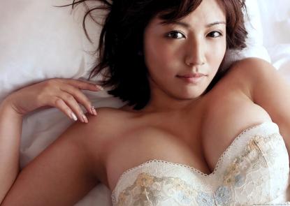 isoyama_sayaka_g162.jpg