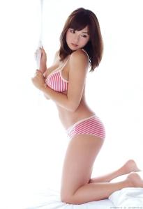 shinozaki_ai_g220.jpg