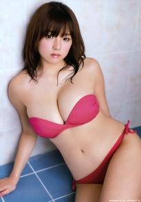 shinozaki_ai_g226.jpg