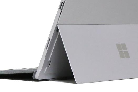 Surface Pro 2017_IMG_8739b_キックスタンド_01a