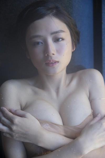 V片山萌美 .jpg