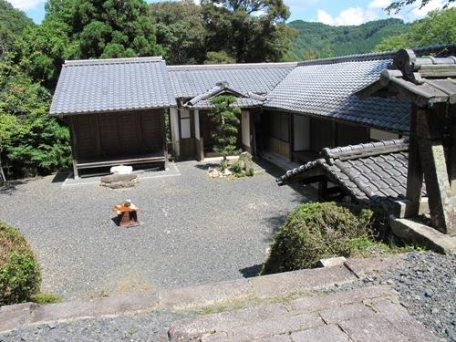 石山笠取 (227)