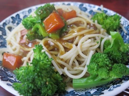 お昼ごパスタ(春野菜のカレーパスタ)