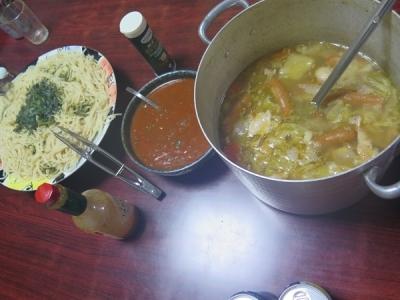 スープとボロネーゼのパスタ