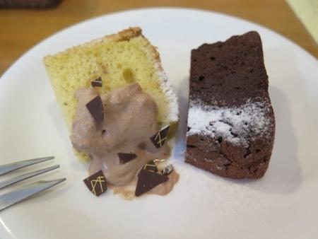いもねこさん 食後のケーキ