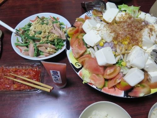 インゲンと魚肉ソーセージの卵とじ、豆腐サラダ