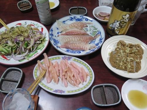 鯛の刺身、じゃこ天、合鴨燻製サラダ