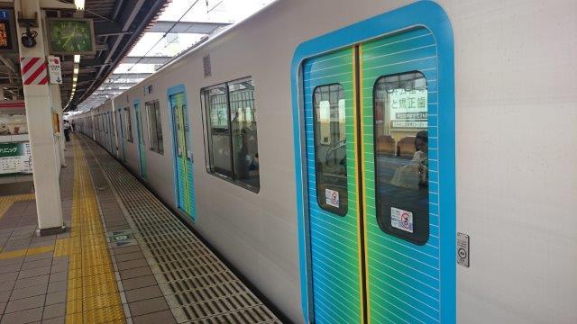 西武線座席 (1)