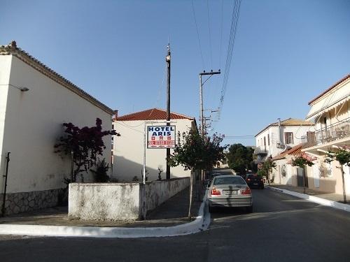 メトーニ_「ホテルアリス」の横の通り