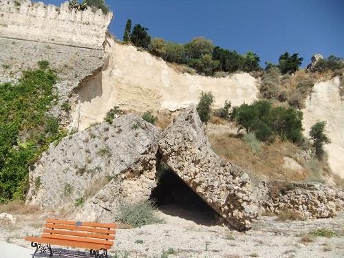 コローニ_海側から見た城壁 (2)