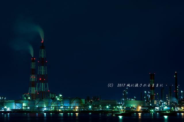 大阪・築港浜寺西町から見た堺泉北臨海工業地帯の工場夜景2