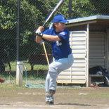 3回裏、伊藤幸が2点適時三塁打を放ち逆転