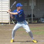3回裏、先頭の猪元が内野安打で出塁