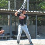 4回裏、伊藤幸が二塁打を放つ
