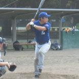 6回裏、伊藤幸が二塁打を放ち一死二・三塁