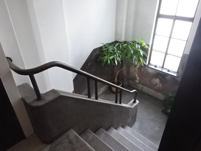 開化堂カフェ 階段