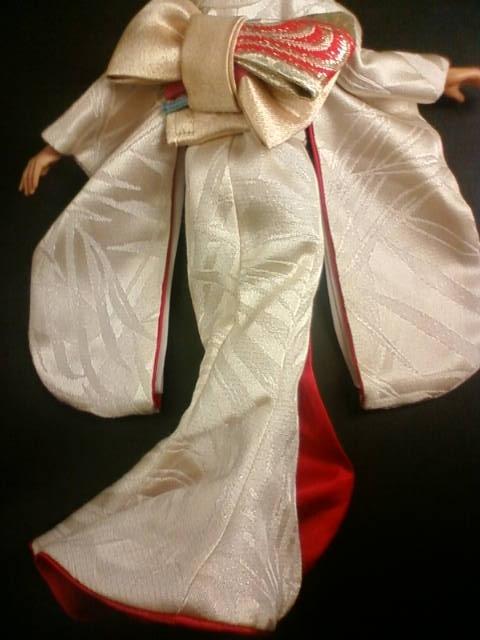 kimono_dress2_c_2017.jpg