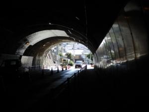 トンネル東側
