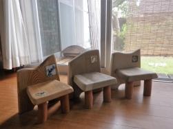 小さい飾り椅子