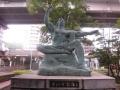 王子・平和祈念の像