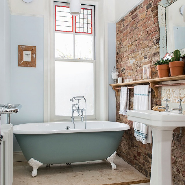 Bathroom-IH-May-17-p46-Cook-house.jpg