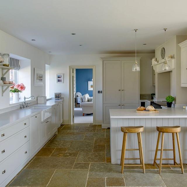 Kitchen-CHI-May-17-p38-Glencross-house-tour_20170809071700f26.jpg