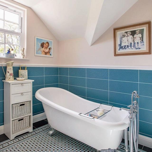 Lunt-House-Bathroom-920x920.jpg