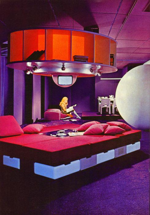 af8702a0dddf6ea1d092d2d14e18dc45--joe-colombo-retro-futurism.jpg