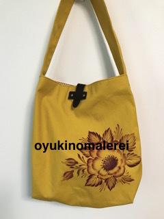 黄色バッグ