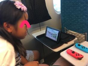 テーブルモード大活躍♪ 「Nintendo Switch」を新幹線でやってみた♪ 新幹線の中ではやってはならないゲームもある!