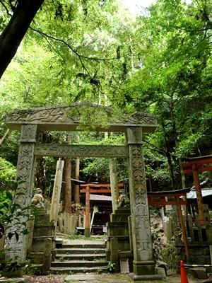 大岩神社の堂本印象の鳥居1706