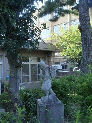 桃山小学校二宮金次郎像1709