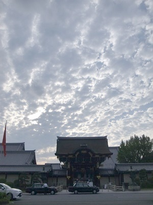 西本願寺の秋空1709