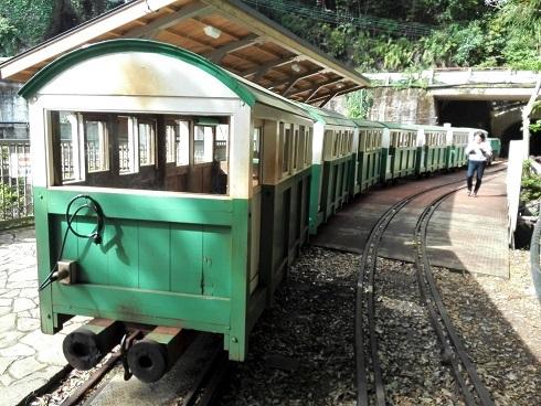 3 トロッコ電車