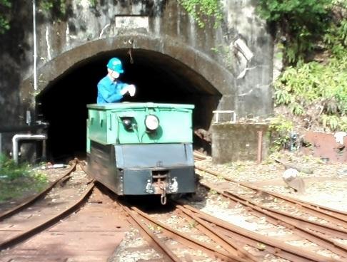 6 機関車を入替
