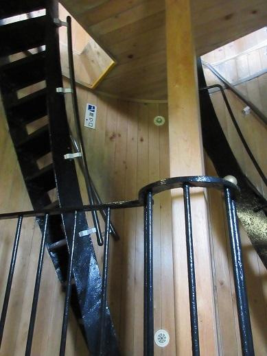 15 灯台内の階段上部