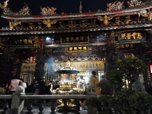 11 龍山寺