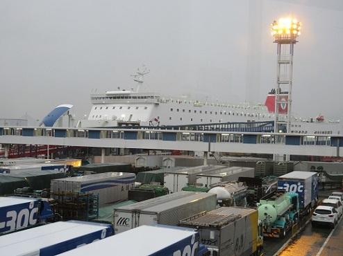 1 大阪南港フェリーターミナル